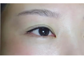 半永久纹眼线客户视频(2)